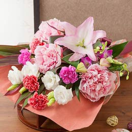 母の日 花束「麗しの時間〜美人花を添えて〜」