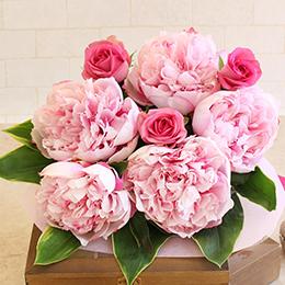 花束「パリの庭〜ピオニー&ローズ〜」