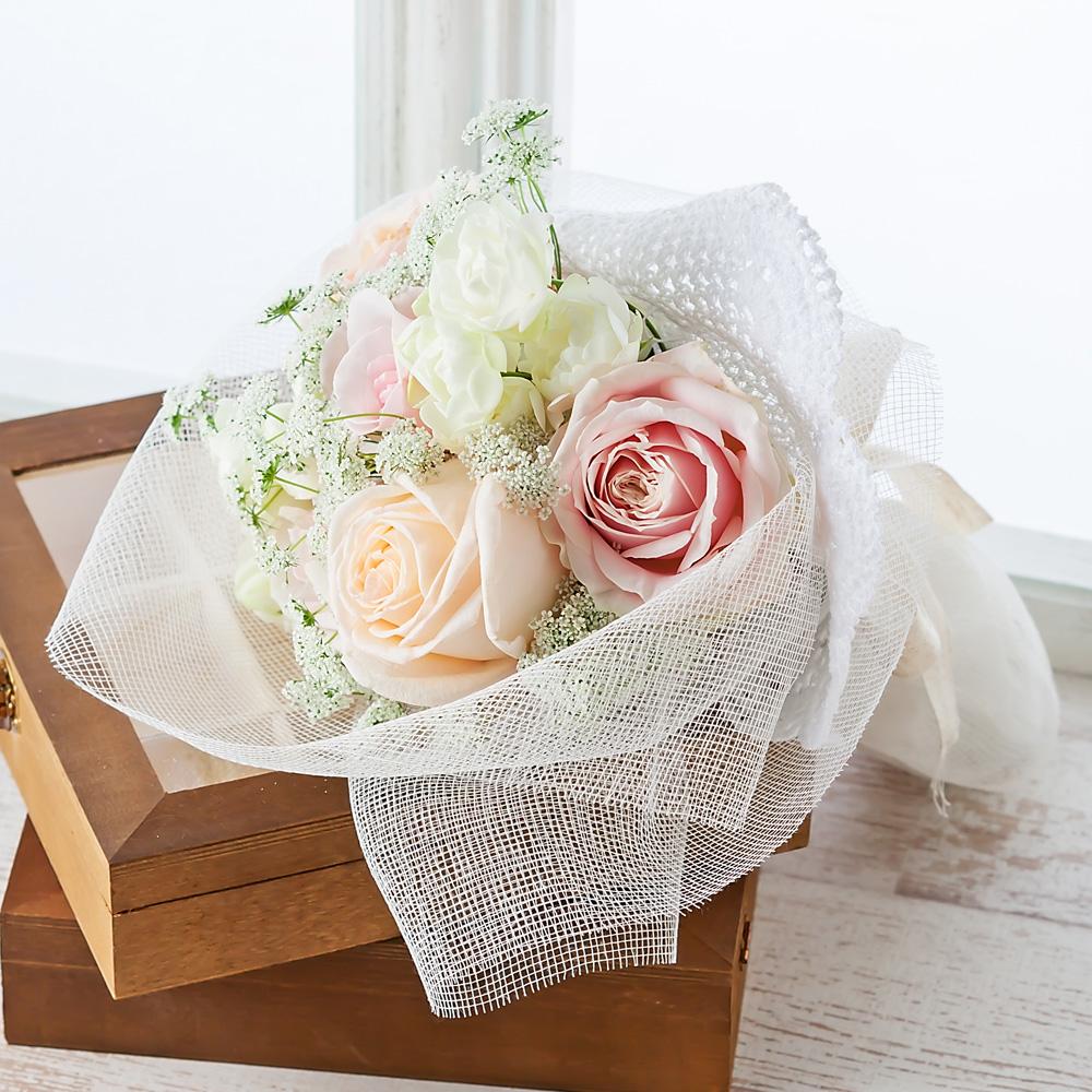 デザイナー岩橋さん花束「ブランシェドイリー〜幸せを包みこんで〜」S