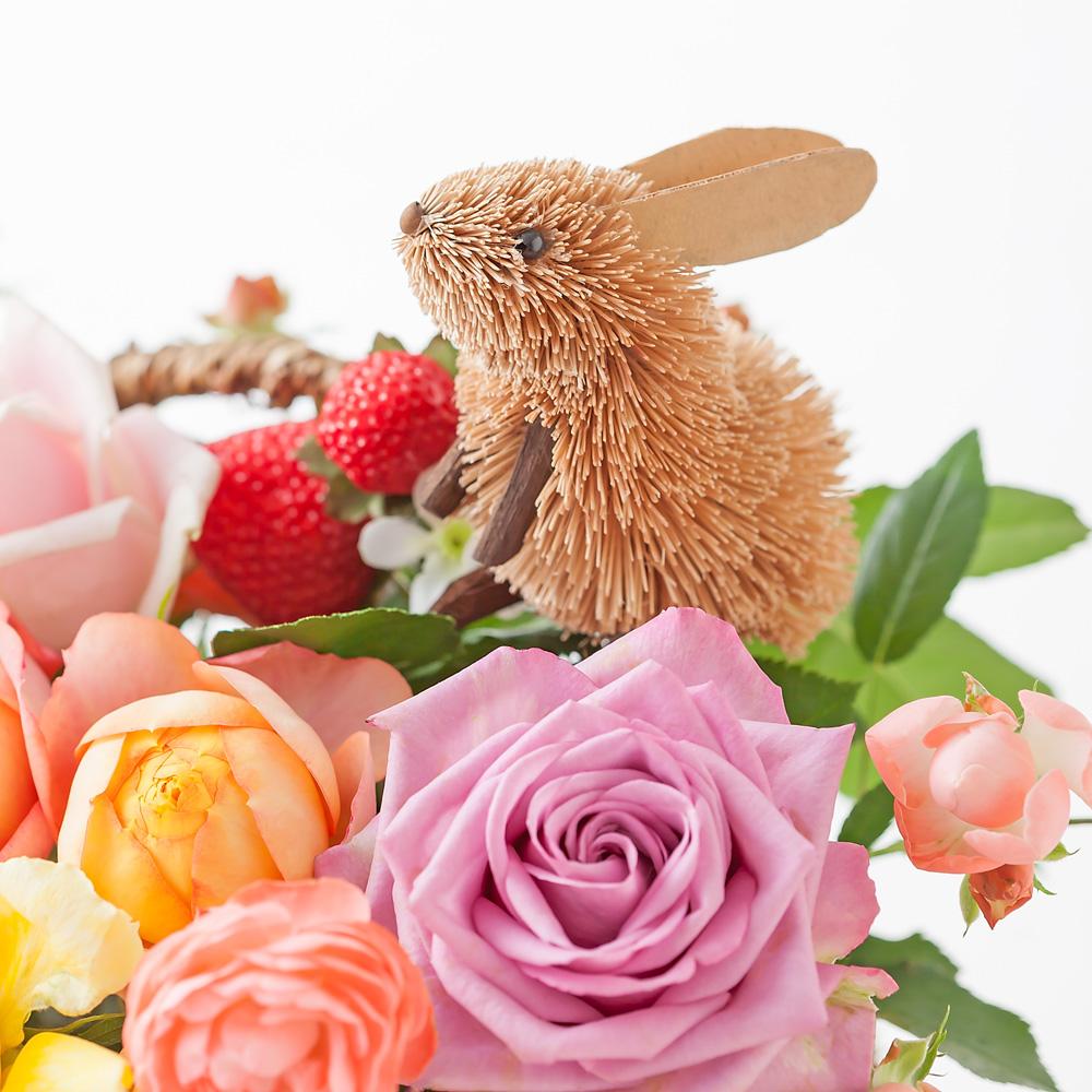 デザイナー岩橋さんアレンジメント「ウサギのフラワーバスケット」M