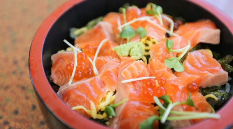華やかな「ちらし寿司」